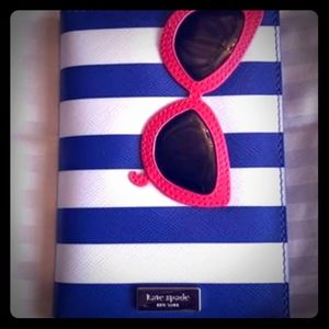 Authentic Kate Spade passport holder✈🏝